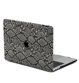 Lunso Lunso - Leren cover hoes - MacBook Pro 16 inch - Snake Pattern Grey