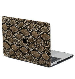 Lunso Lunso - Leren cover hoes - MacBook Pro 16 inch - Snake Pattern Brown
