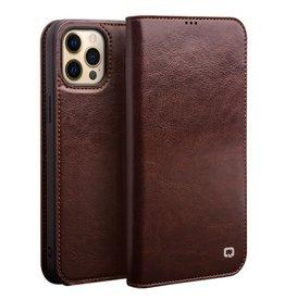Qialino Qialino - lederen luxe bookcase hoes - iPhone 13 Pro Max - Bruin