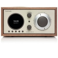 Model One+ AM/FM / AUX IN / DAB/DAB+ - Walnoot