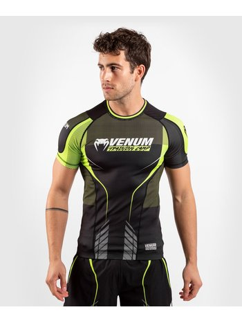 Venum Venum Training Camp 3.0 S/S Rash Guard Zwart Geel