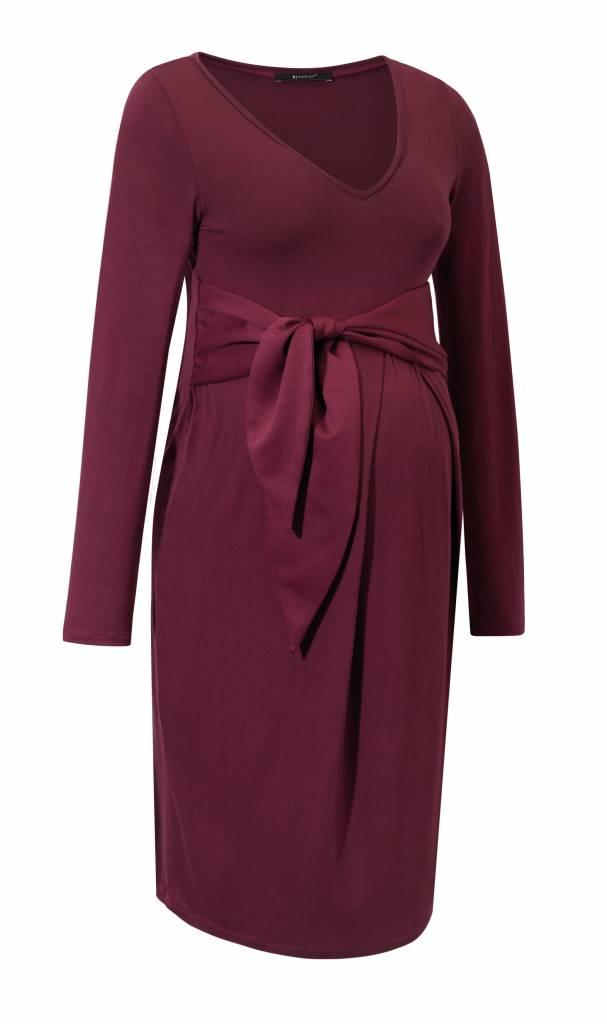 Umstandskleid in rot mit Schleife und V-Ausschnitt von 9fashsion