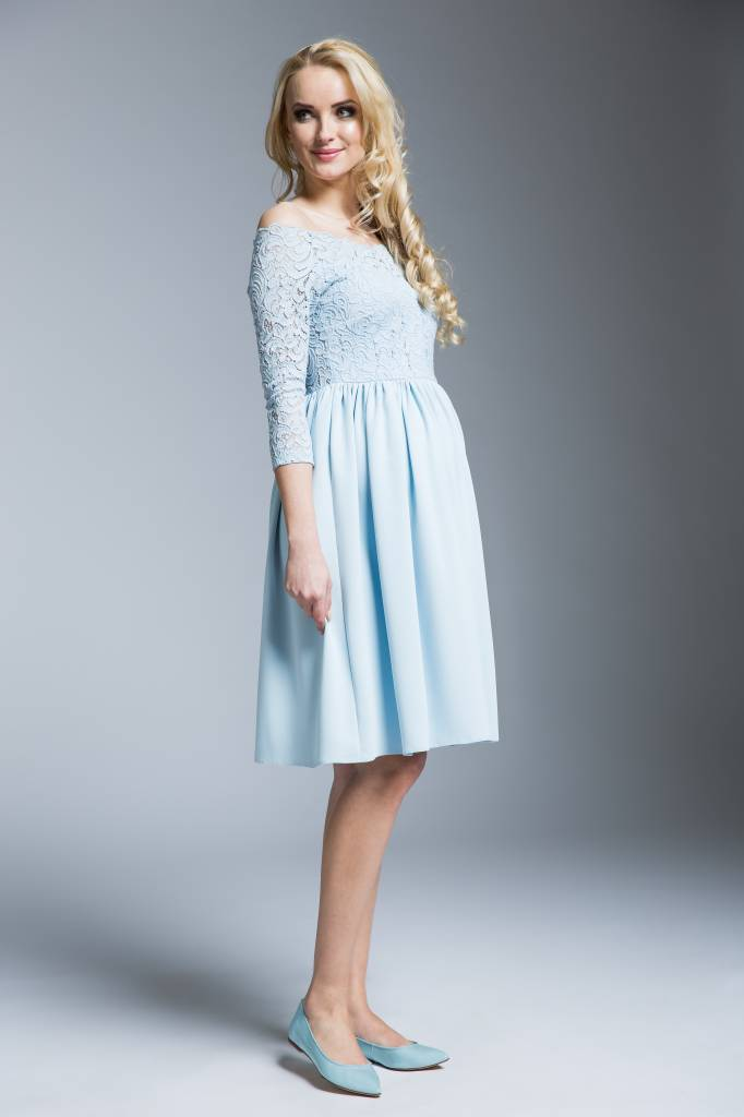 mamaija  hellblaues, festliches  Umstandskleid mit Spitze von mamaija
