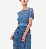 blaues Stillkleid Umstandskleid mit Unterkleid aus Bambusfaser und darüber feine Spitze von Milker Nursing