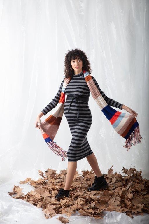 Attesa Midi-Maxi Umstandskleid aus angenehmen Strick von Attesa