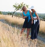 Victoria Grace schönes Umstandskleid mit Stillfunktion in 3 verschiedenen Blautönen mit Gürtel von Victoria Grace
