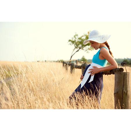 Victoria Grace schönes Maxi Umstandskleid mit Stillfunktion in 3 verschiedenen Blautönen mit Gürtel von Victoria Grace