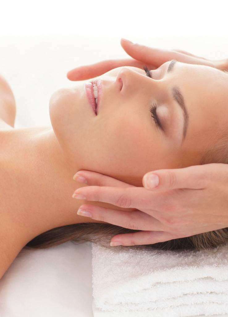 Super Deluxe Dermacosmetische Gezichtsbehandeling