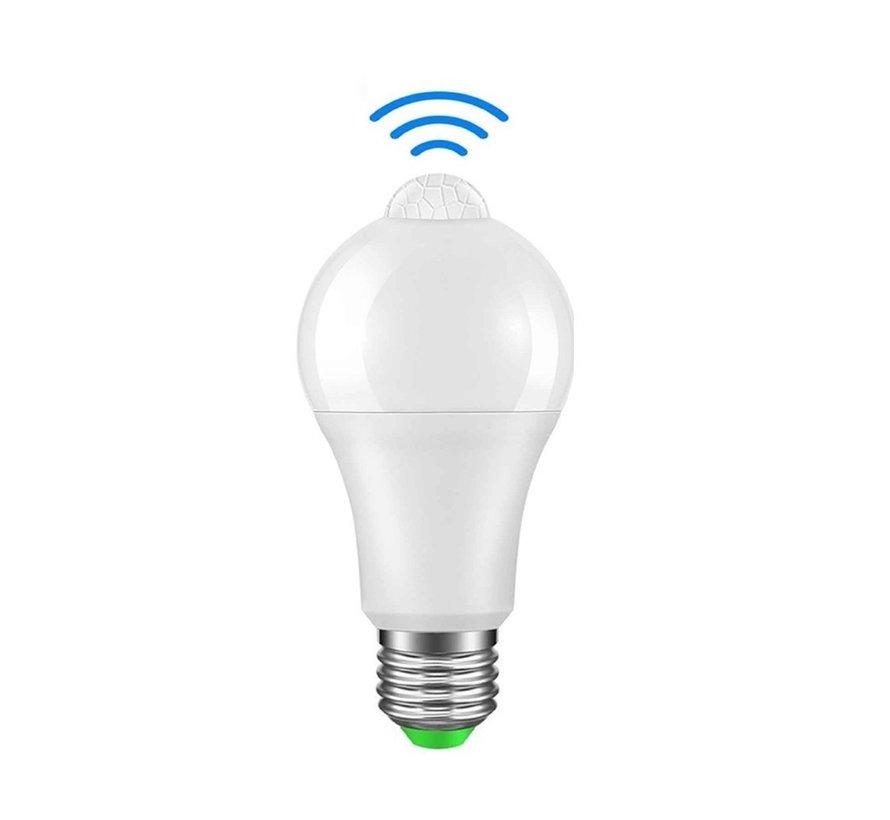 LED pære med bevægelsessensor - E27-fatning - 6W erstatter 50W - Lysfarve valgfri