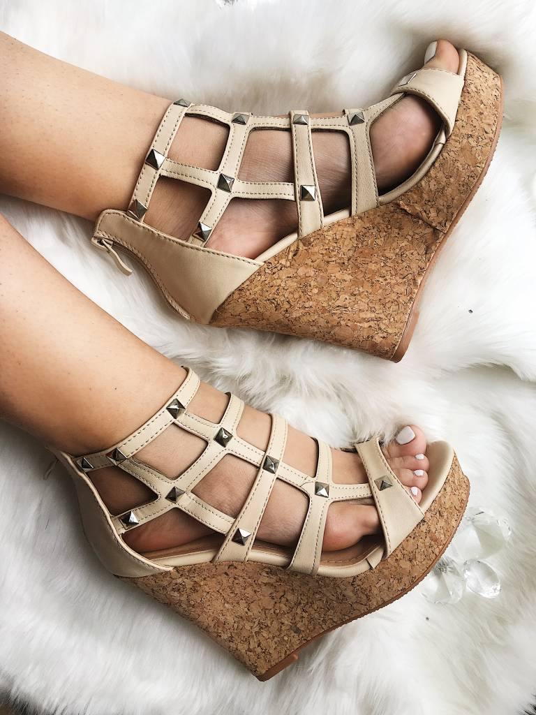 Mokka Cutout Wedges