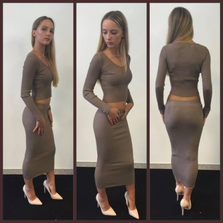 Wonderbaar beige jumper - Victorija's Dream dé fashionwebshop voor jou! UL-85