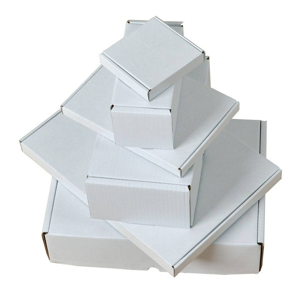 Postdozen / Postpack dozen 350x220x28mm, Kleur : Wit, Gewicht per doosje: 100 gram aantal per pallet: 2400