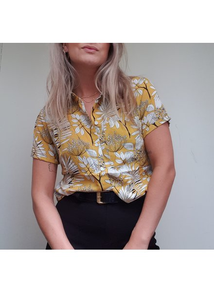 24 Colours Cropped Flower Blouse
