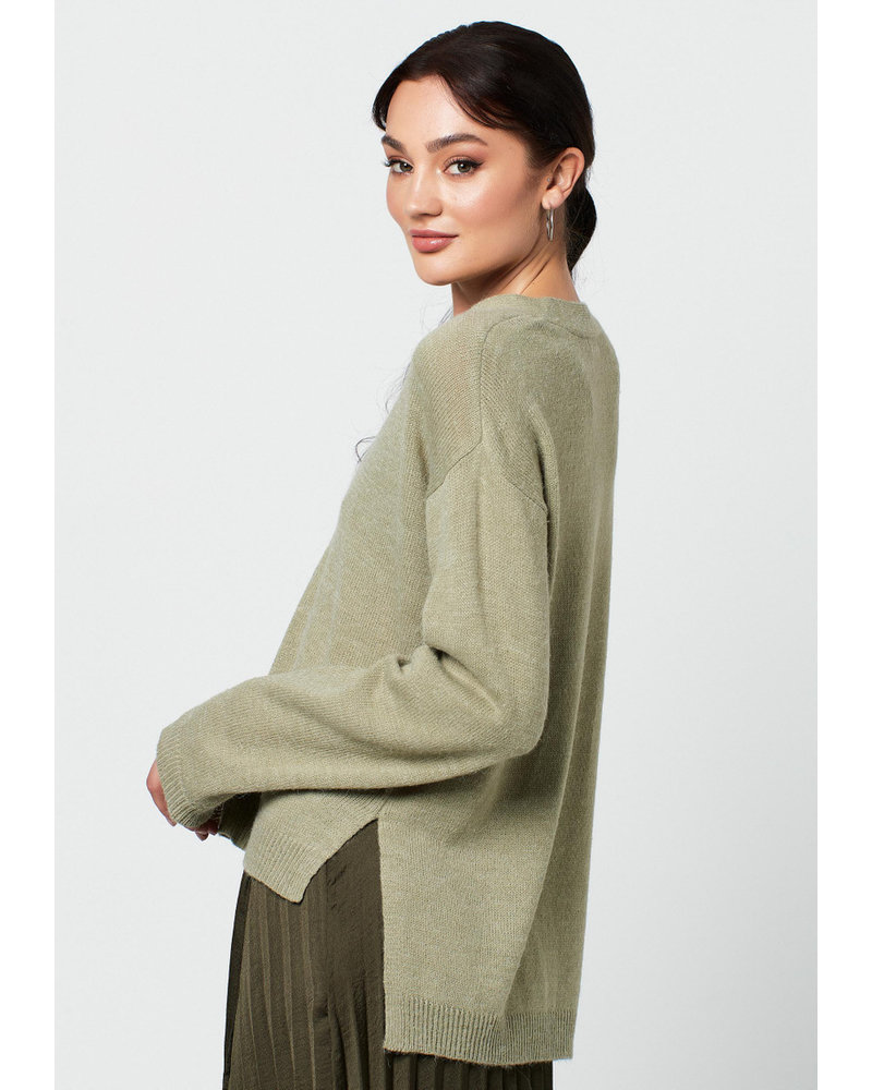 Rut & Circle  Emelie V Neck Knit