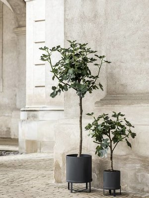 ferm LIVING ferm LIVING Bau Plant Pot - Dark Blue - Small