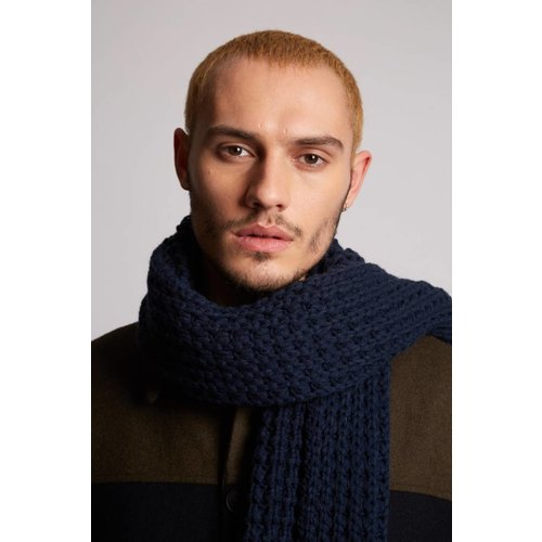 HYMN London 'CABLE' Navy Waffle Scarf
