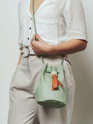 Rosie Drake Knight Bucket Bag - Seagrass / Rust Tassel