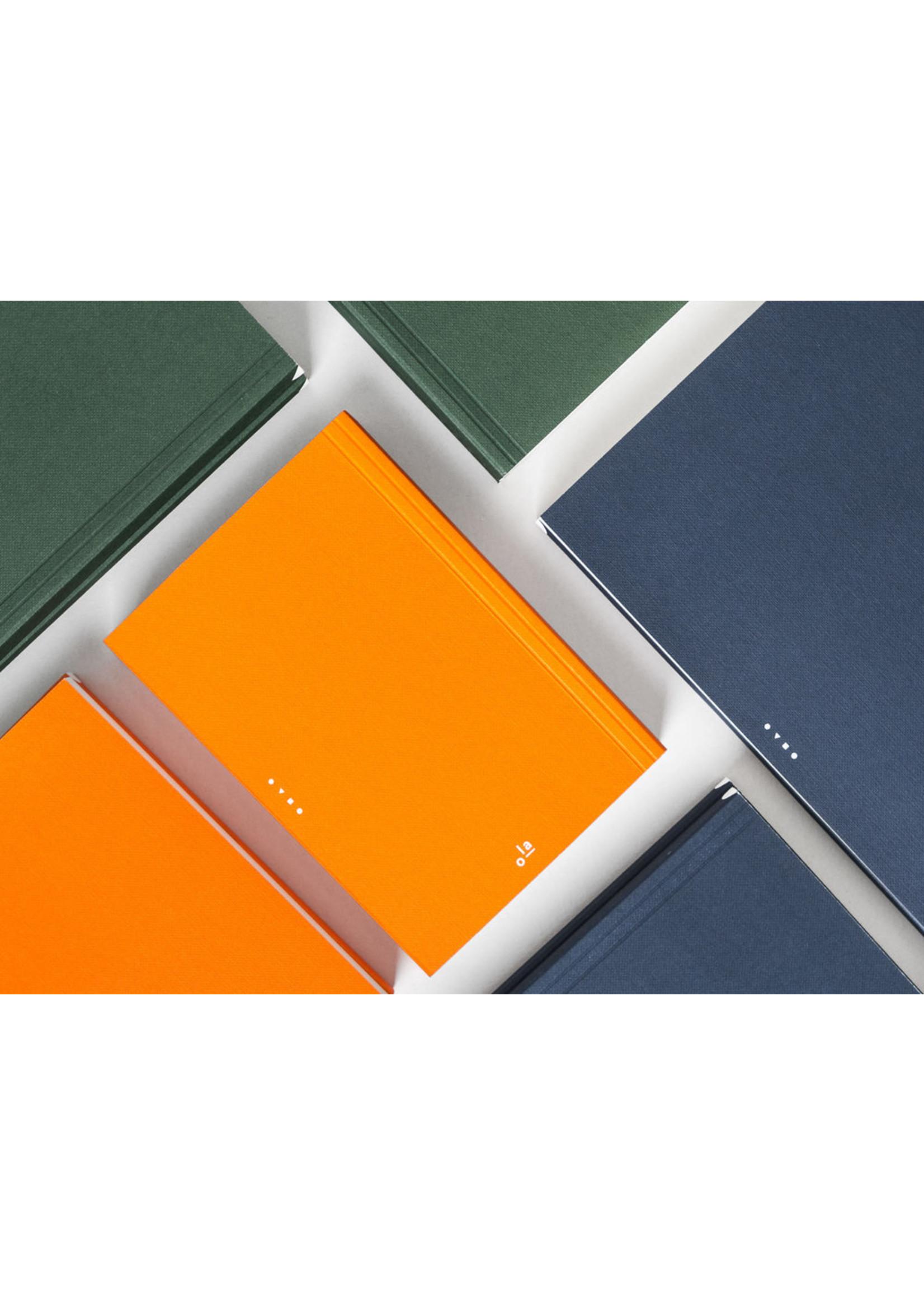 Ola Ola Medium Layflat Notebook: Everyday Objects Edition 1: Circle Navy/Plain