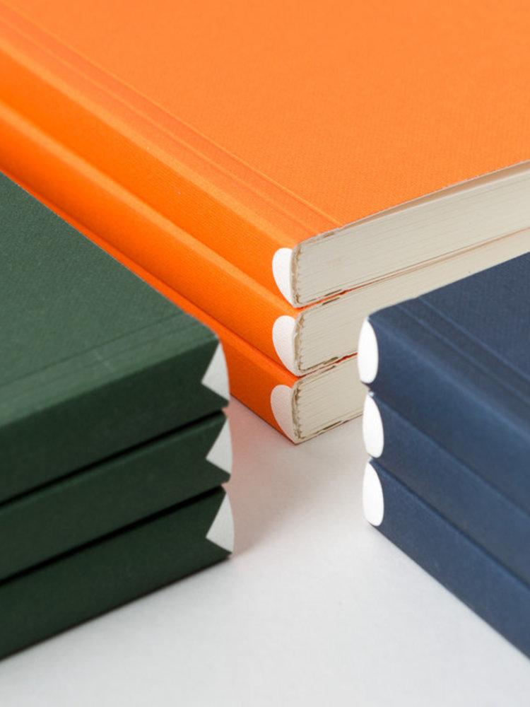 Ola Ola Pocket Layflat Notebook: Everyday Objects Edition 1: Circle Orange/Plain