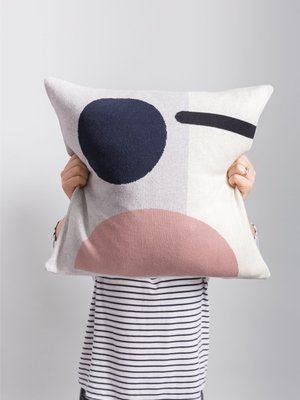 Sophie Home Sophie Home Bleecker Pink Knitted Cushion