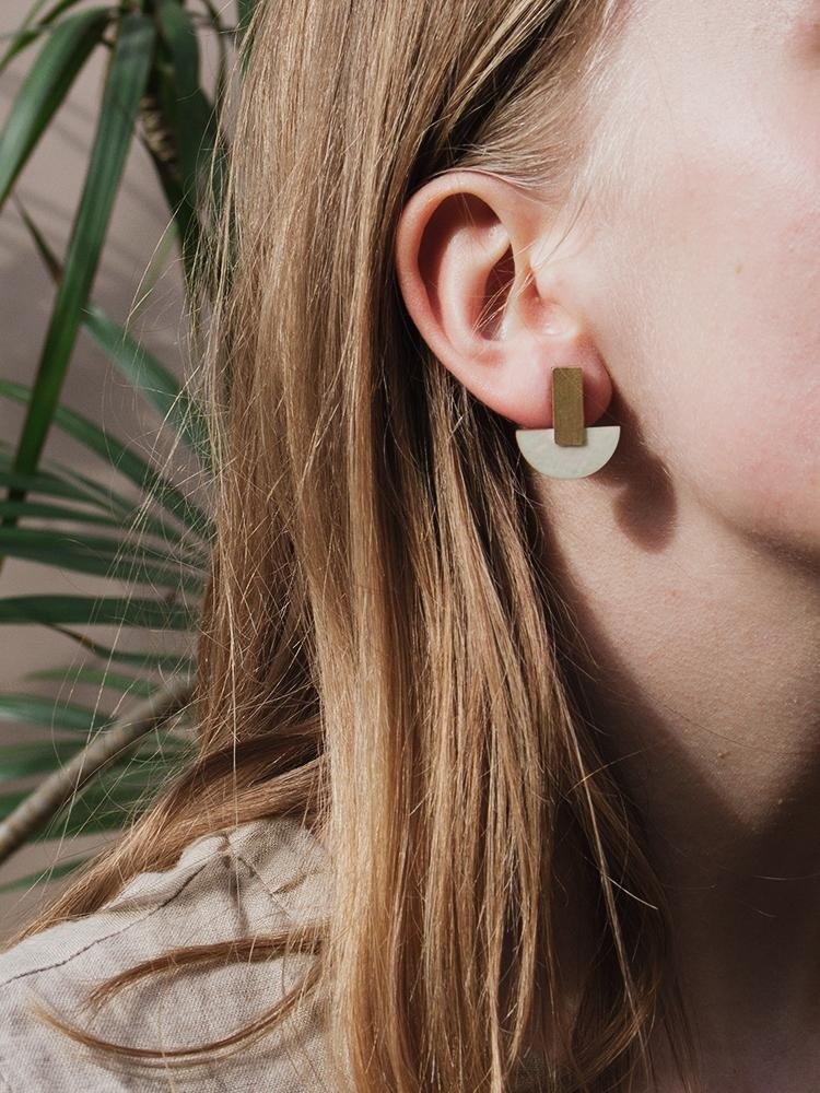 Wolf & Moon Wolf & Moon Crescent Studs Mother of Pearl