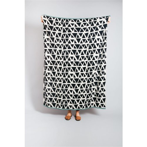 Sophie Home Lennox Mono Throw