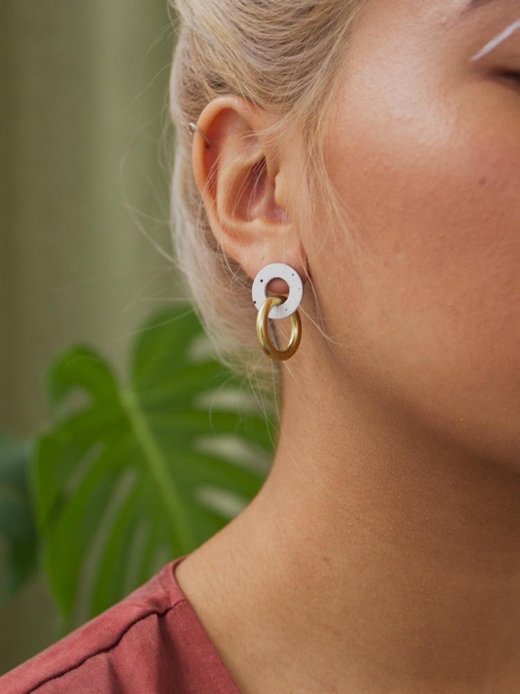 Wolf & Moon Wolf & Moon Mini Isla Earrings - Eggshell