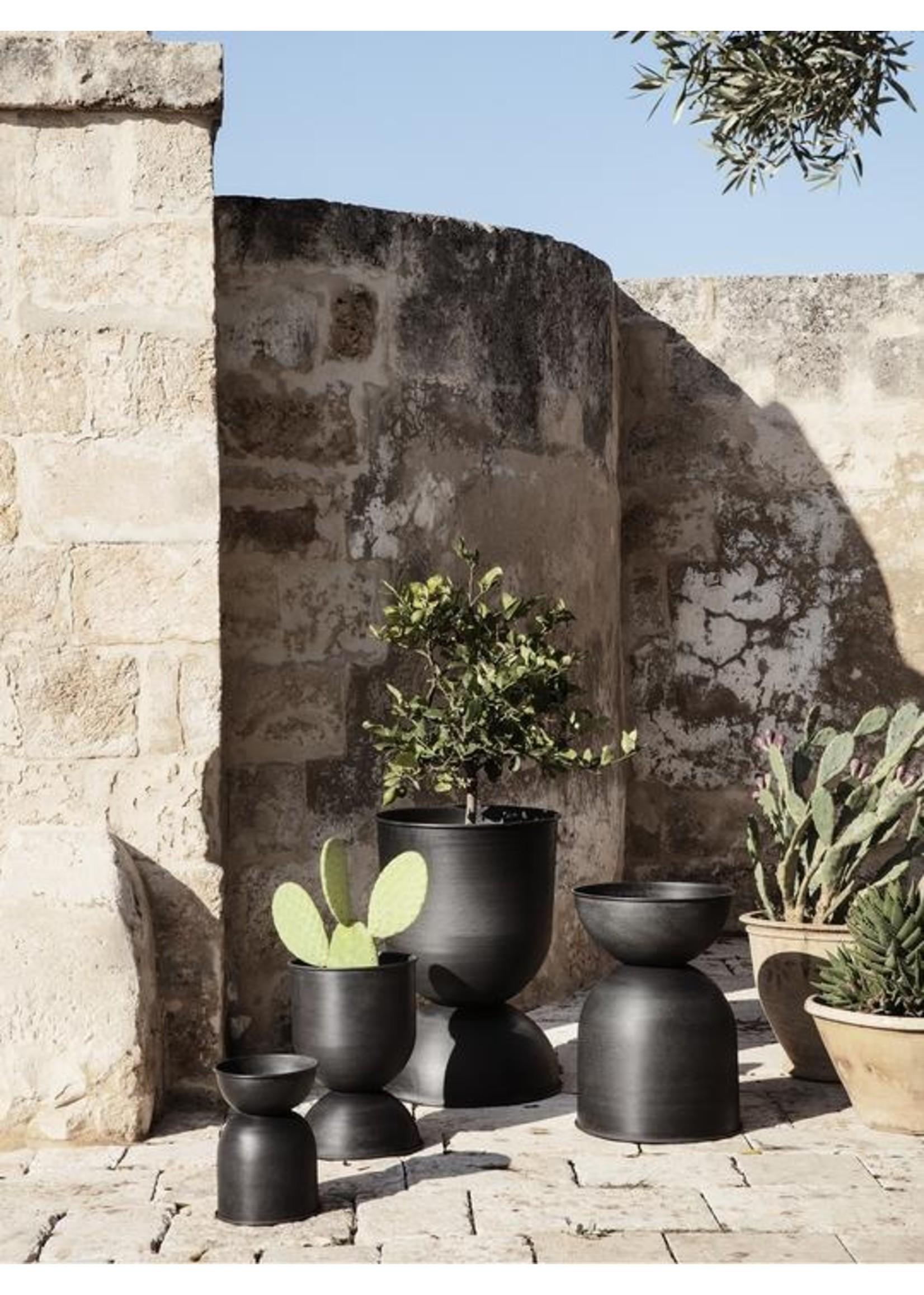 ferm LIVING ferm LIVING Hourglass Plant Pot - Extra Small