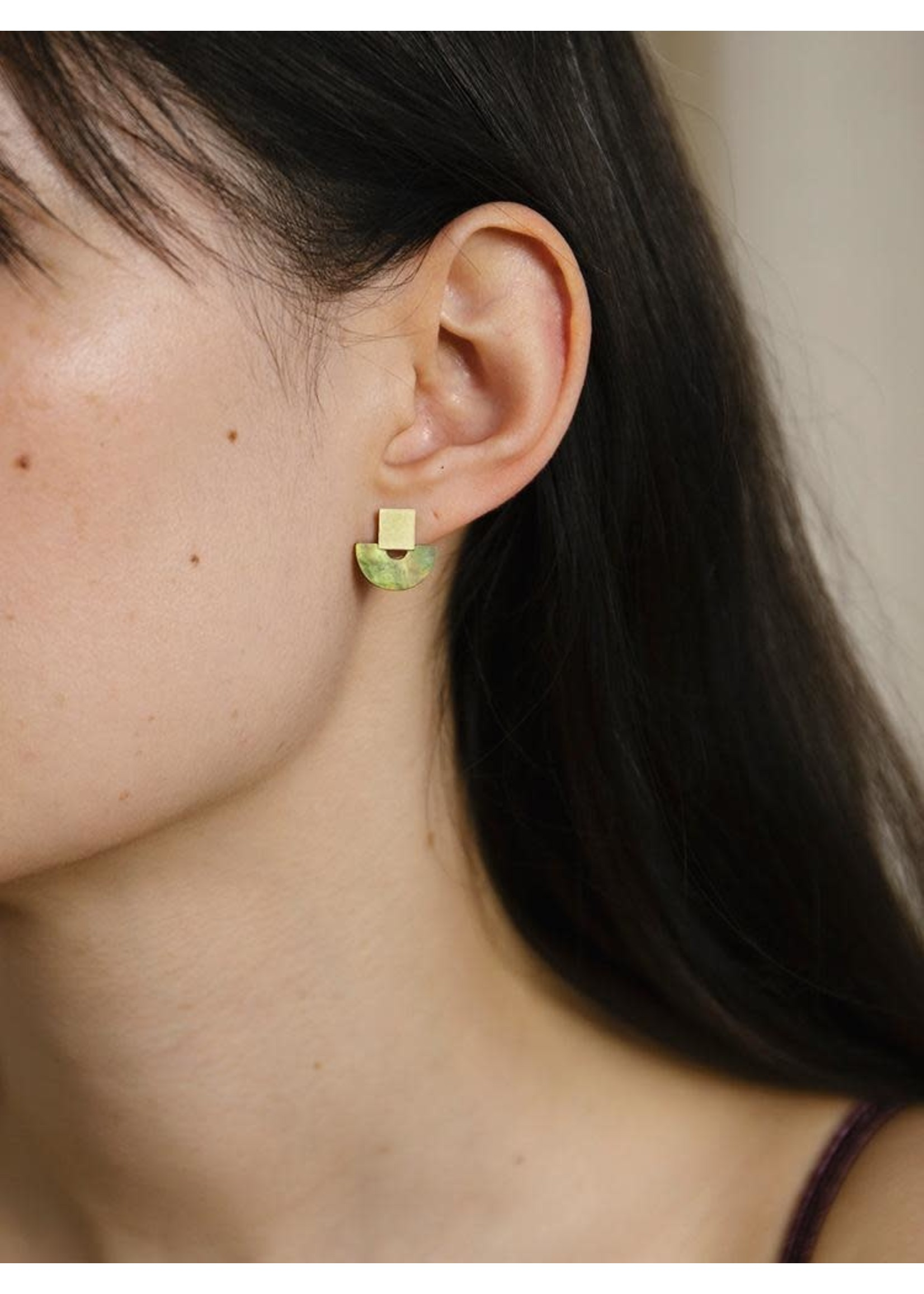 Wolf & Moon Wolf & Moon Mini Marina Studs in Olive Mother of Pearl