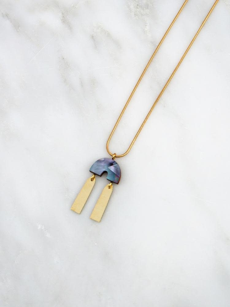 Wolf & Moon Wolf & Moon Cecilie Necklace in Blue Mother of Pearl