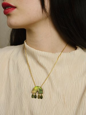 Wolf & Moon Wolf & Moon Alana Necklace in Olive Mother of Pearl