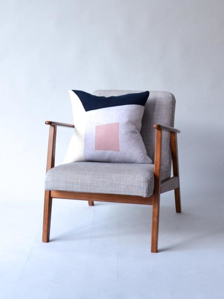 Sophie Home Sophie Home Gard Navy/Pink  Knitted Cushion