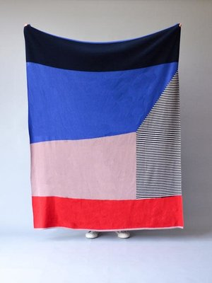 Sophie Home Bruka Throw Pink/Red