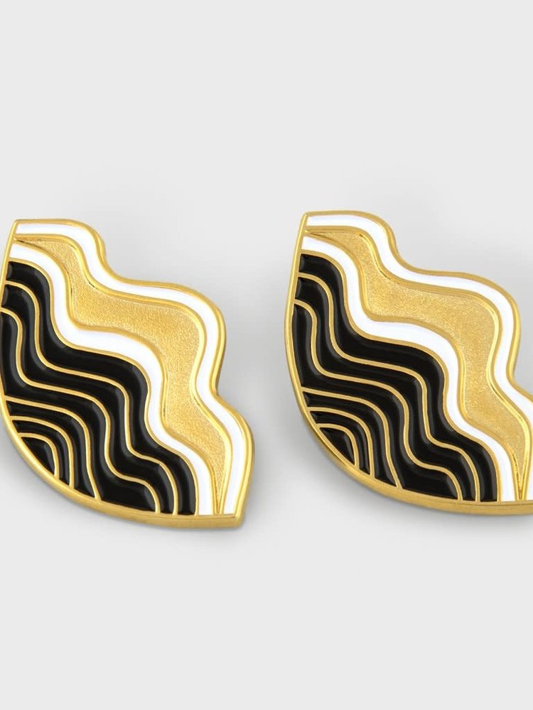 Milk Tooth Milk Tooth Shell Studs - Gold