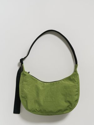 Baggu Medium Nylon Crescent Bag - Green Apple