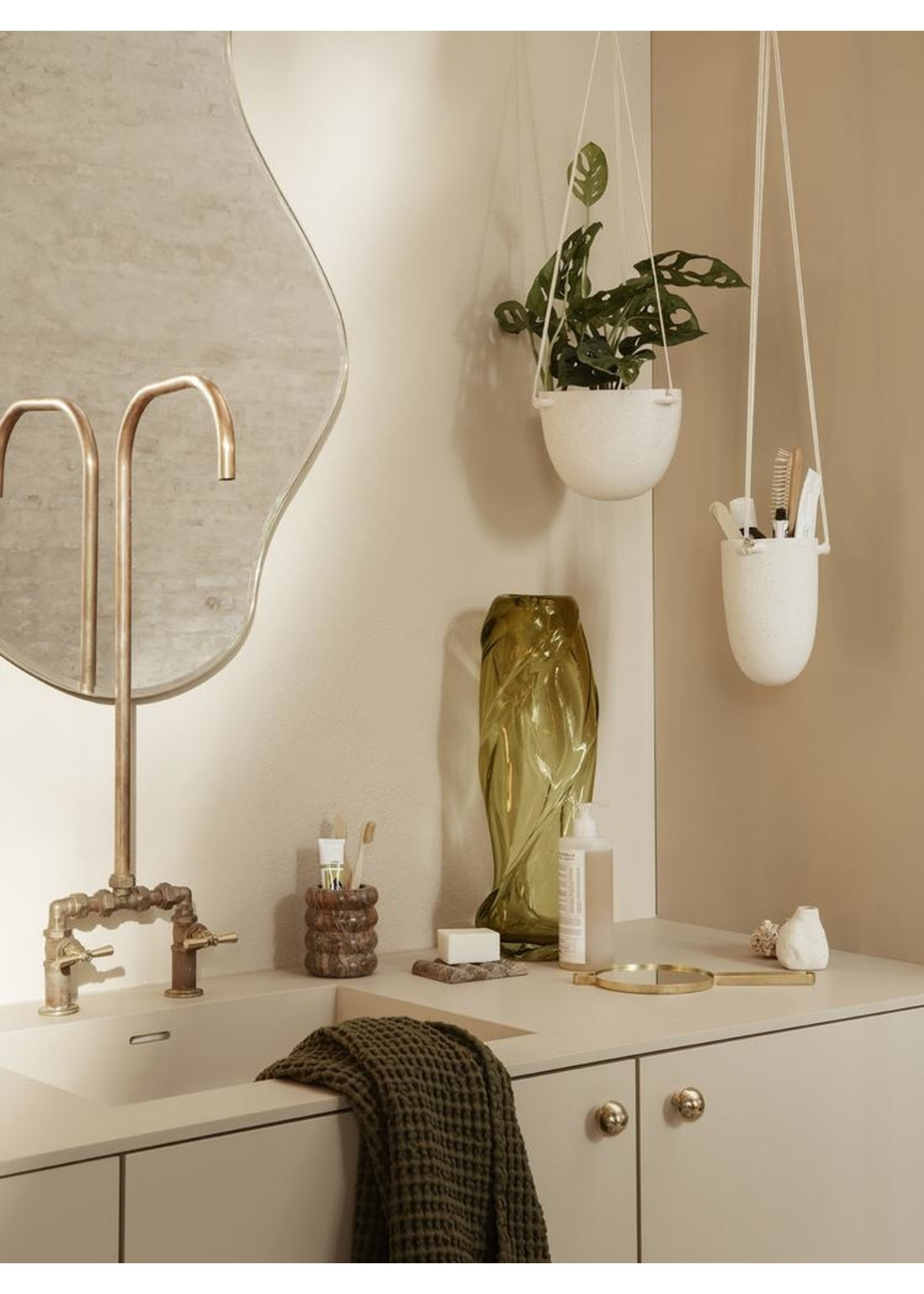 ferm LIVING ferm LIVING Speckle Hanging Pot - Small - Off-White