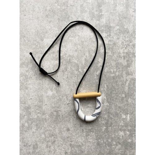 Fison Zair Studio Mini Arc & Bar Necklace (4 colours)