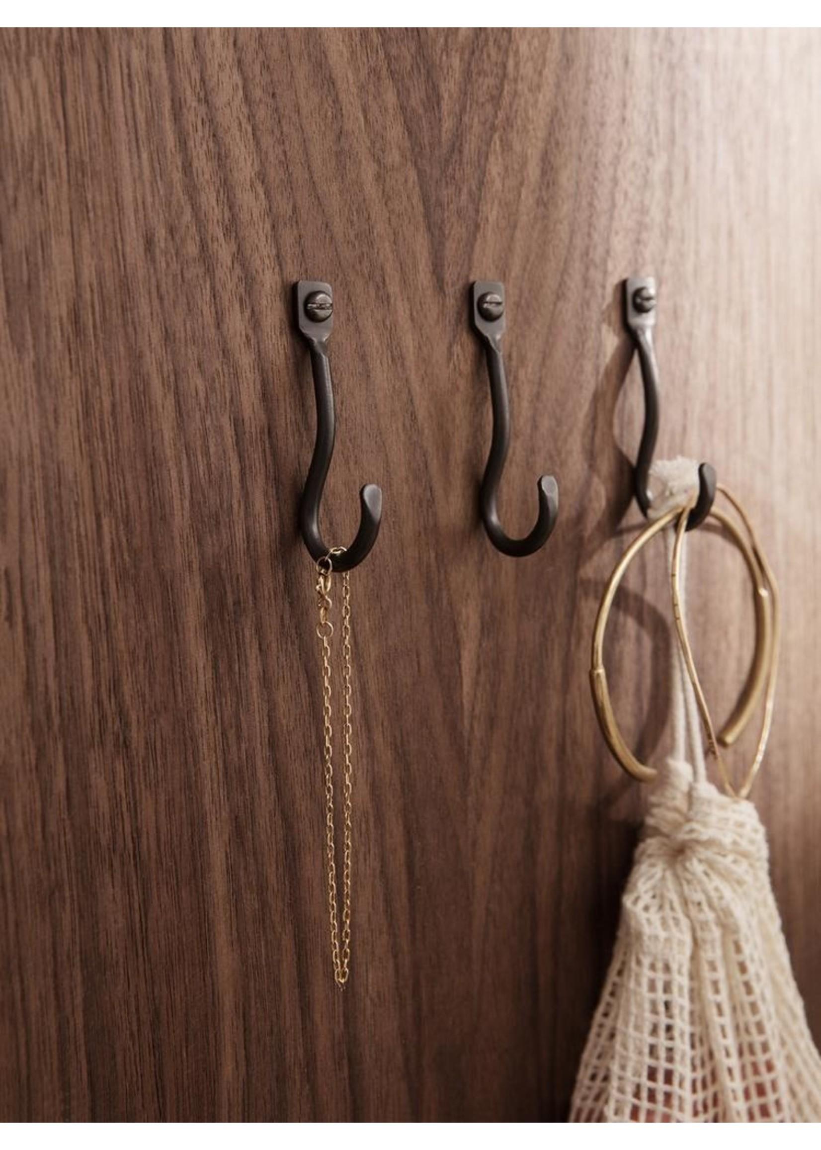 ferm LIVING ferm LIVING Curvature Small Hooks - Set of 3 - Black Brass