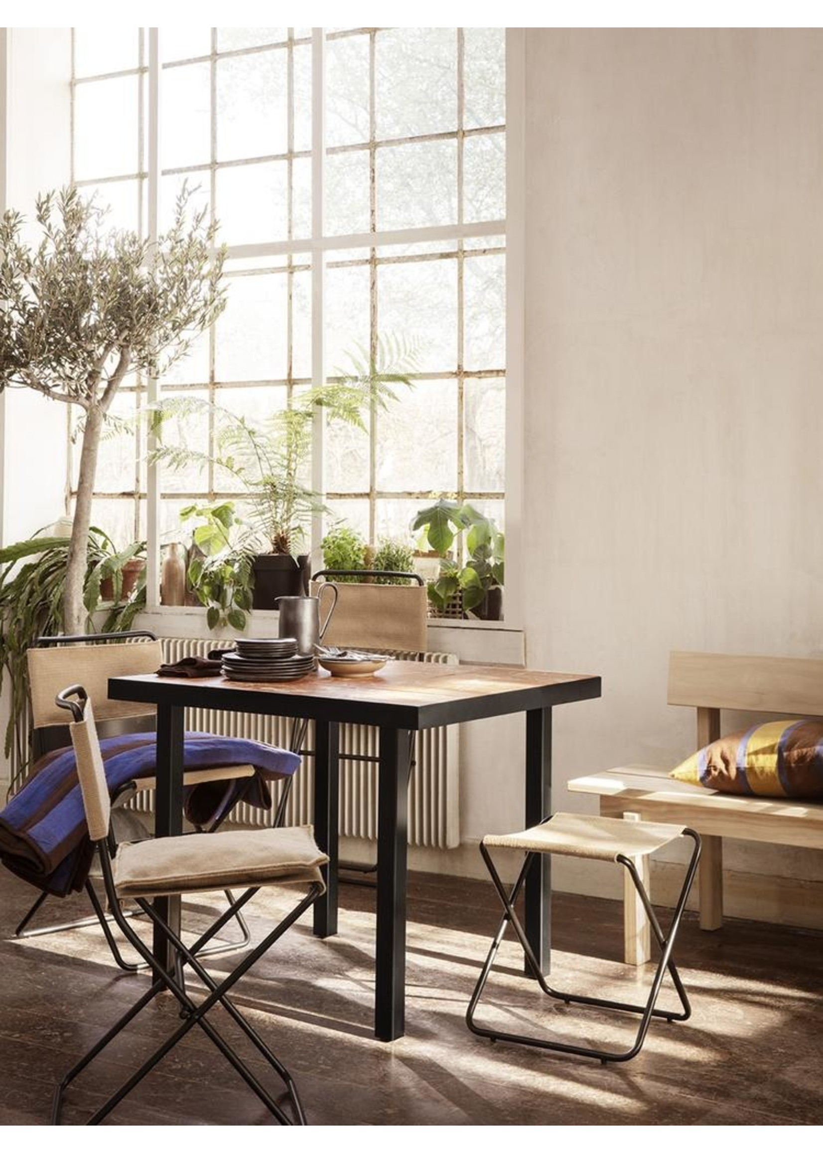 ferm LIVING ferm LIVING Flod Café Table-Teracotta/Black