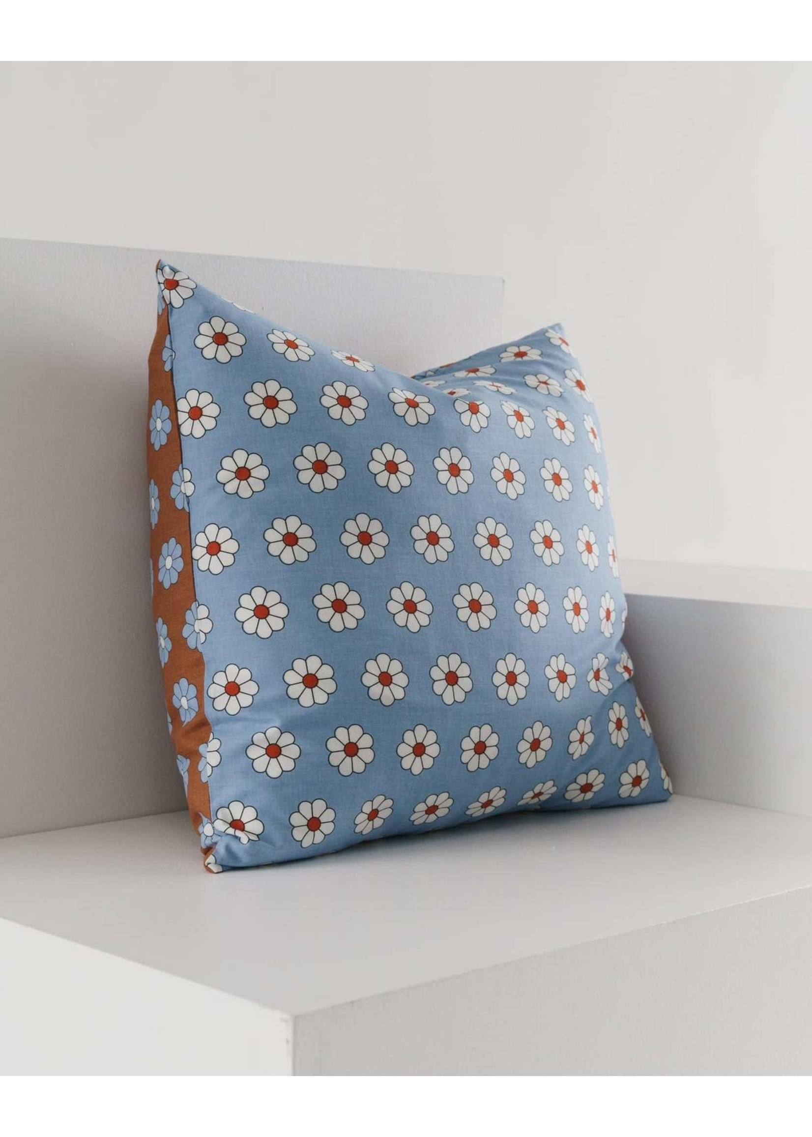 Baggu Baggu Throw Pillow Case - Daisy Mix