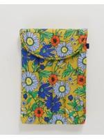 "Baggu Puffy Laptop Sleeve 16"" - Wallpaper Floral"