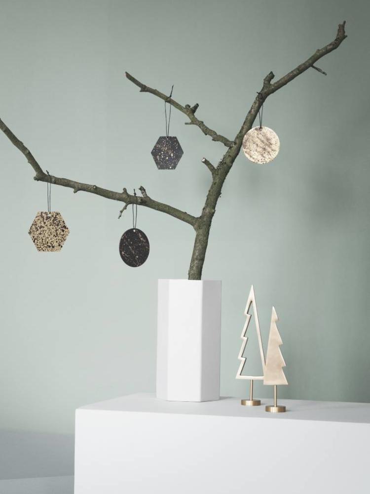 ferm LIVING Ferm Living Winterland Brass Tree - Outline