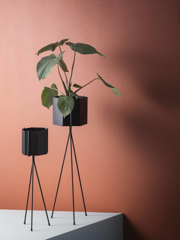 ferm LIVING Ferm Living Hexagon Pot - Black - Extra Large