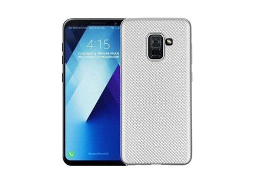 Samsung Galaxy A8 (2018) - Carbon Fiber Textuur Back Cover Hardcase - Zilver