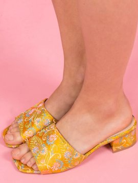 GEISHA YELLOW MULES