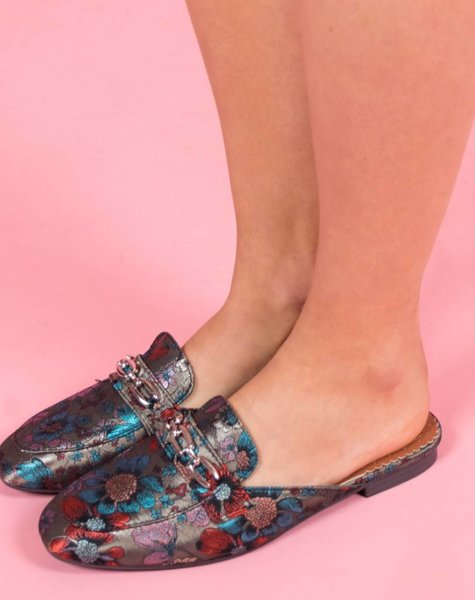 WANDER IN FLOWERS LOAFERS KAKI