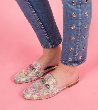 WANDER IN FLOWERS LOAFERS PINK