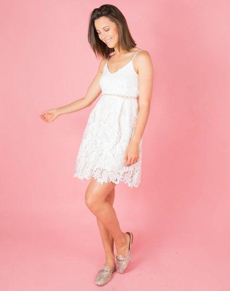 WHITE DREAMY LACE DRESS