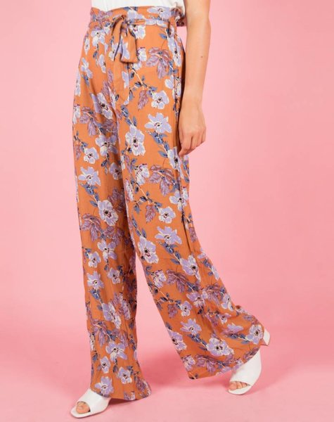 BLOOM IN LILA TROUSERS