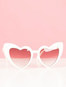ALL THE HEARTS WHITE GLASSES